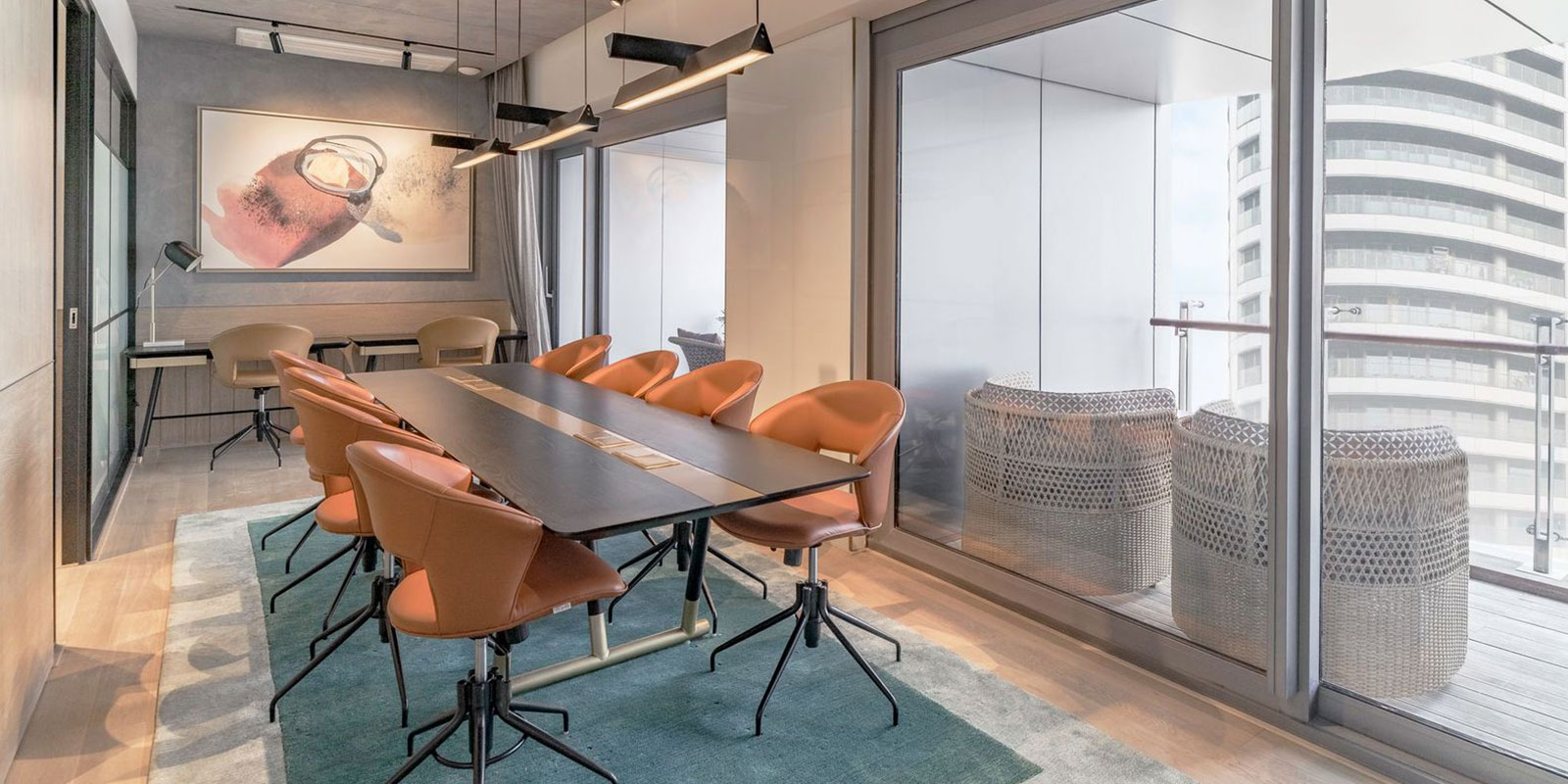 A versatile space to exchange ideas, to engage with like-minded people. This is the space dedicated to the 'work' aspect of the members club. Here you can find a comfortable and fully-equipped co-working area as well as two private meetings rooms for you to conduct meetings with discretion & privacy.